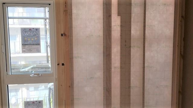 セルローズファイバー 壁のシート貼り