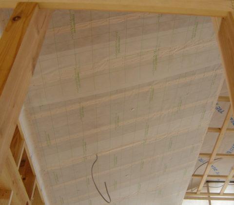 屋根(勾配天井)の施工について(シート貼り編)
